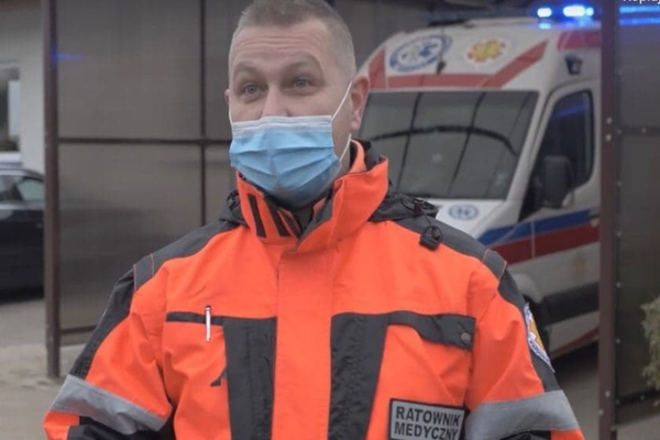 Krzysztof Jurołajć, a paramedic in Olsztyn, who has been using the system