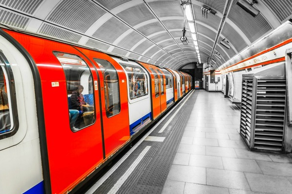 London tube to be powered by clean electricity
