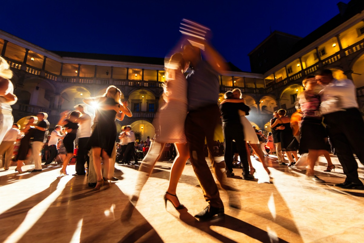 The light and shade of Tango dancing in Buenos Aires