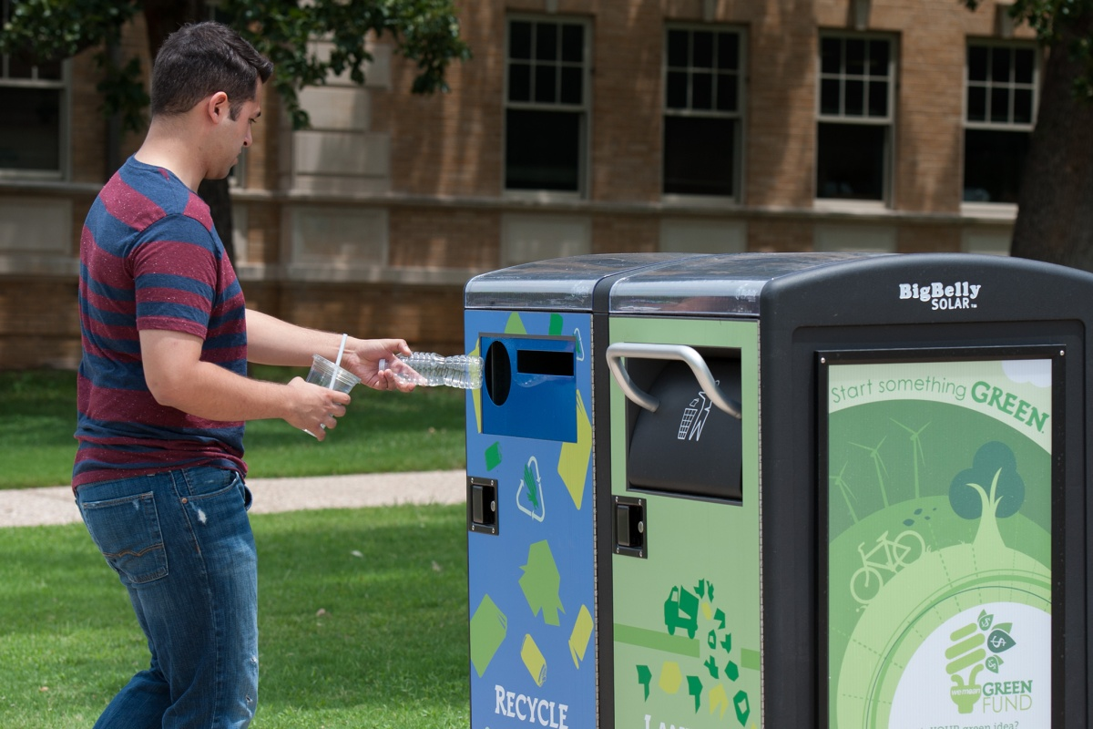 Smart recycling cans in action