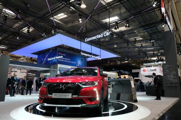 Groupe PSA and Huawei unveil connected vehicle