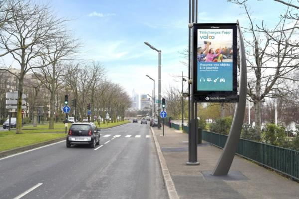 JCDecaux rolls out smart street furniture in Greater Paris