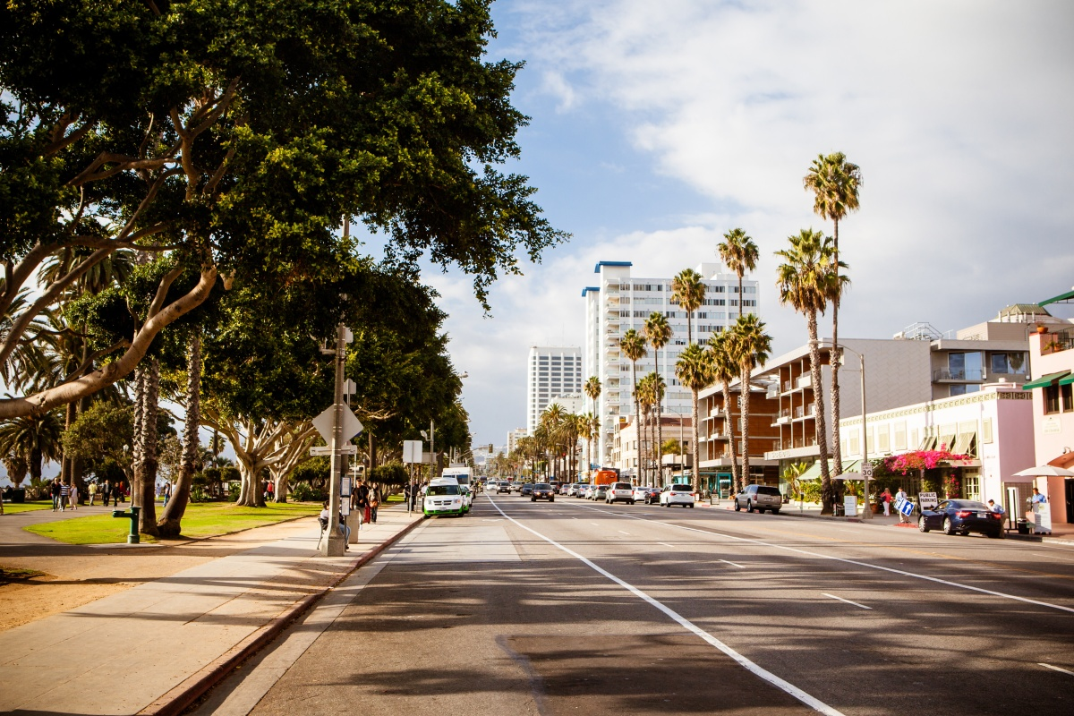 Santa Monica: one of the cities in which the Open Curbs initiative is launching