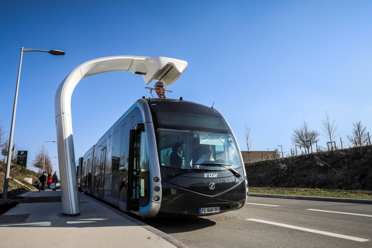 The fully electric buses have a unique charging system with a rapid charge option