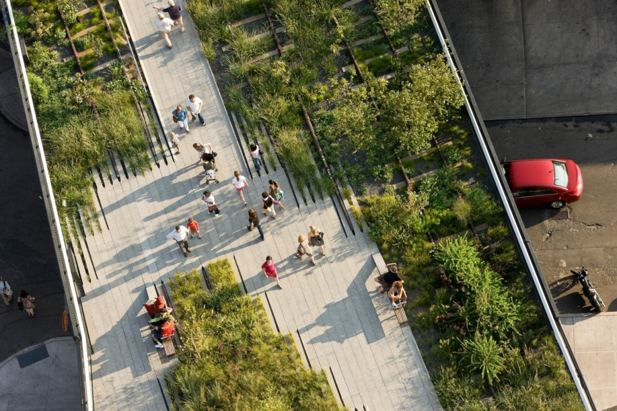 Robert Hammond's elevated park on an abandoned railway line