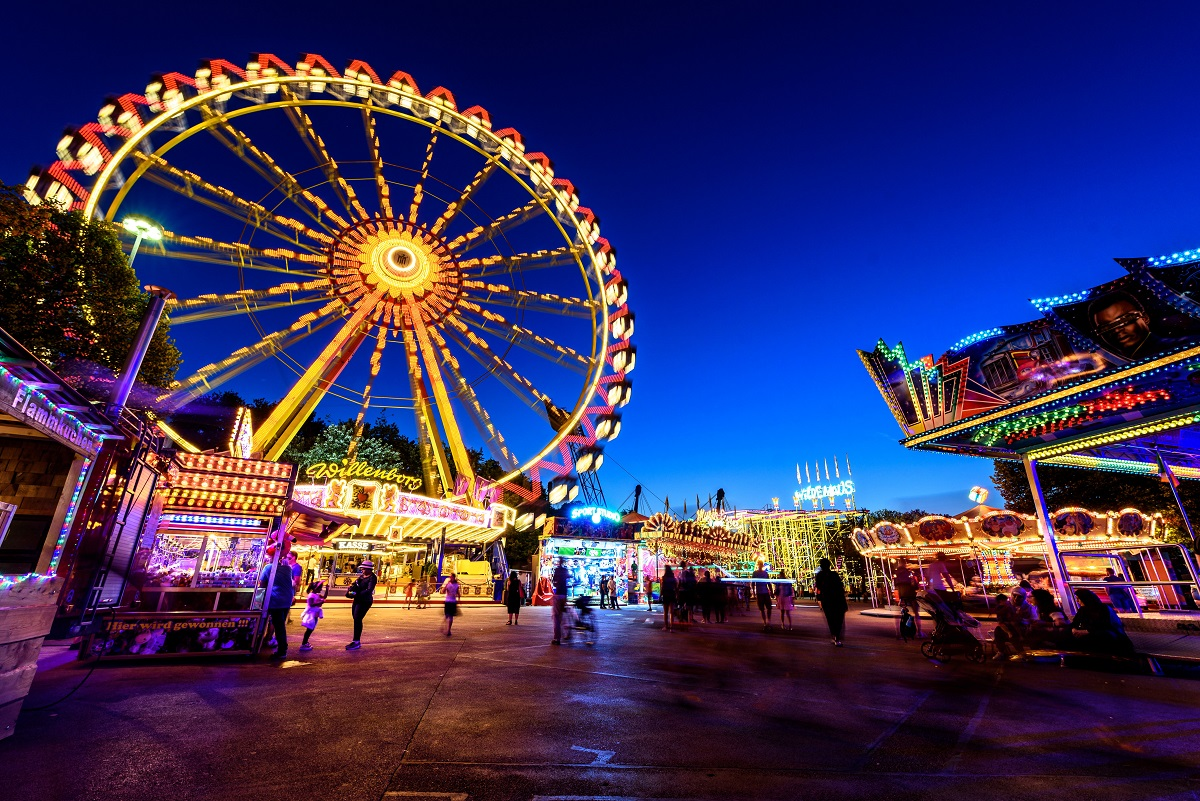 What can theme parks teach us about smart cities? - Smart Cities World