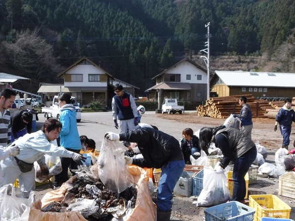 """Small things add up"": The Japanese town leading the zero-waste charge"