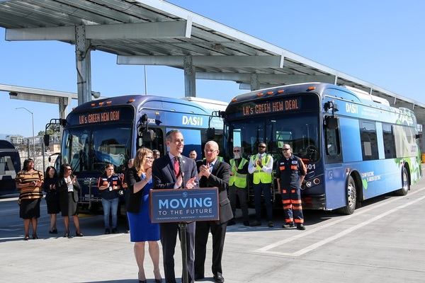 LA orders 155 electric buses