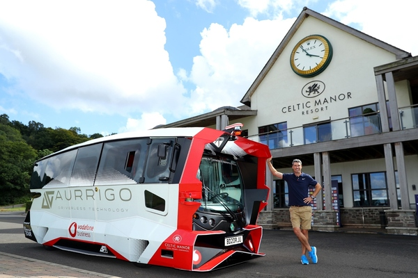 Autonomous shuttle tees up at Welsh golf tournament