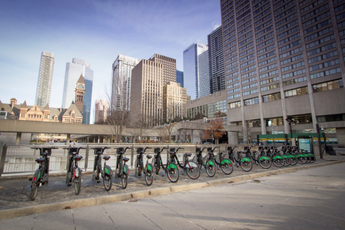 Toronto Bike Share has a network of 6,850 bikes and 625 stations across the city