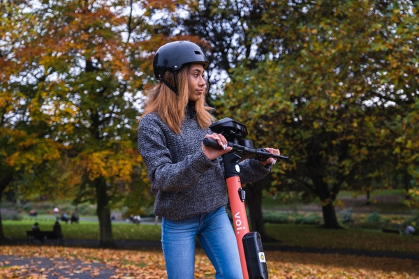 AI computer vision used on e-scooters to detect pedestrian movement
