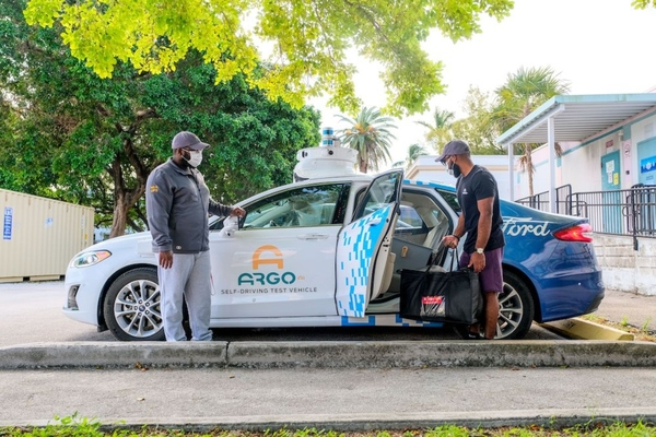 Miami non-profit provides autonomous deliveries to students