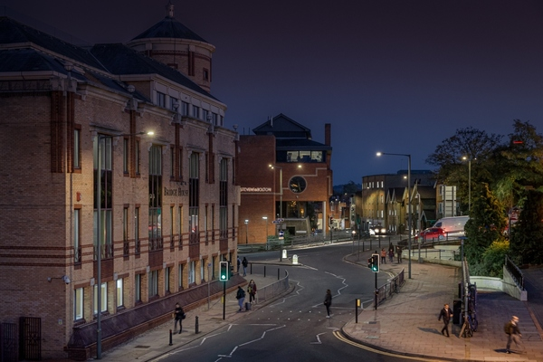 Surrey County Council rolls out intelligent street lighting
