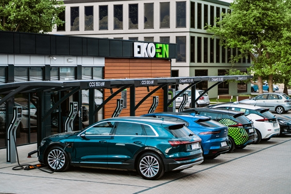 Ultrafast EV charging hub roll-out announced for Poland