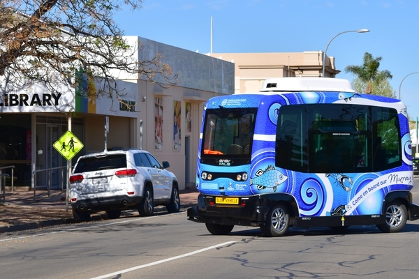 Renmark tests autonomous electric shuttle