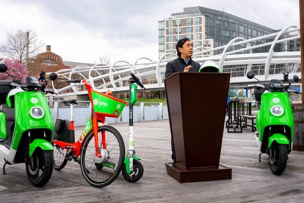 Washington becomes first city to roll-out Lime e-mopeds