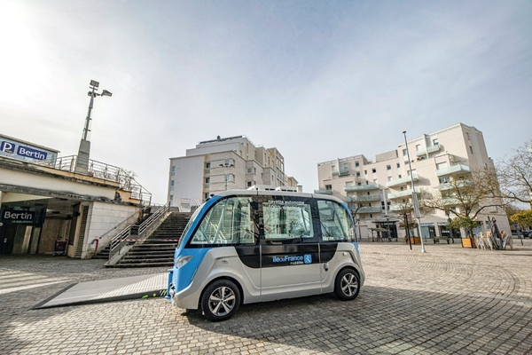 Driverless passenger shuttle launched in Paris Ile-de-France